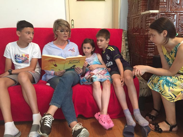 Emotii uriase pentru Silvia Ionita. Vedeta Kanal D s-a aflat in mijlocul copiilor, la SOS Satele Copiilor Romania