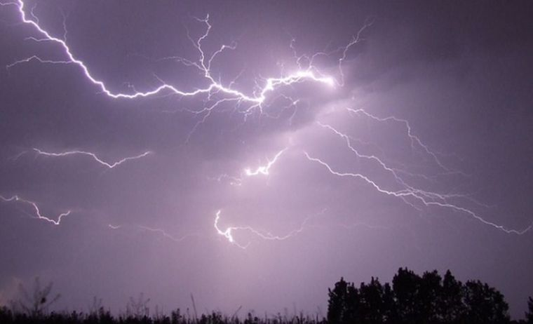 Avertisment meteo: Cod galben de furtuni în jumătate de țară