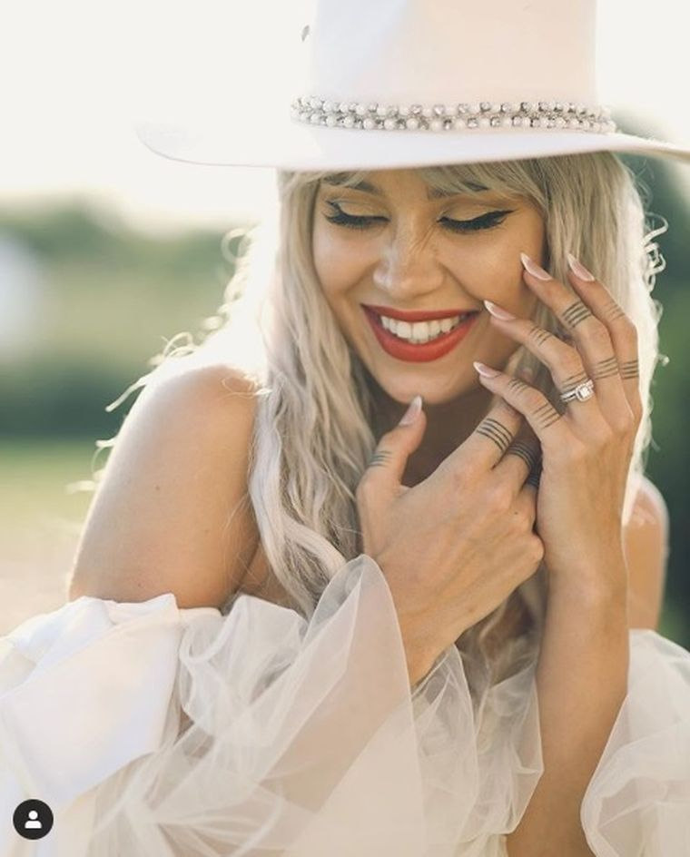 Alina Ceușan, nuntă de vis la castel. Vloggerița a schimbat 3 rochii