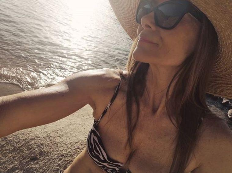 Romanița Iovan, în costum de baie la 54 de ani. Află secretele ei