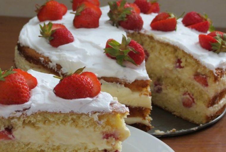 Tort de căpșuni fără coacere. Un desert absolut fabulos!