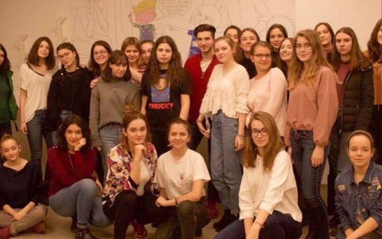 """""""Girl up"""", o organizaţie formată 38 de adolescente, despre cazul din Caracal: """"Această ţară nu a fost niciodată dispusă să ne asculte""""! Postarea adolescentelor spune adevărul crud al femeilor din România!"""