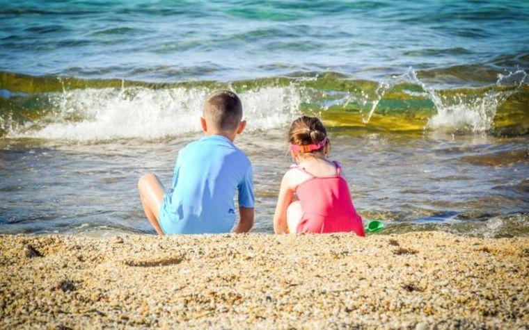 Veste bună pentru elevi: vacanţa de vară s-ar putea prelungi!