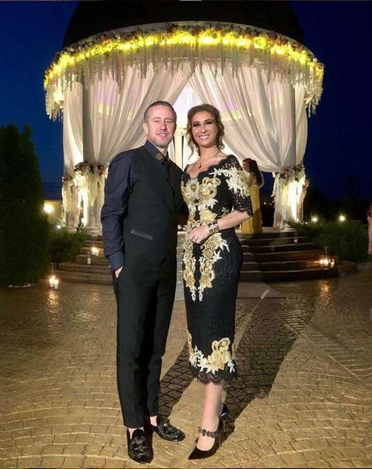 Casele fabuloase ale celebrităţilor! Aceasta este vila de suflet a Anamariei Prodan! Imagini unice cu piscina şi camerele spectaculoase!