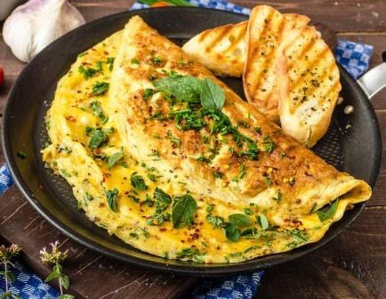 Cum să prepari acasă o omletă ca la restaurant. Ingredientele surpriză pe care le poți folosi