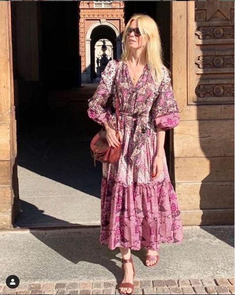 O mai ţii minte pe superba Claudia Schiffer? Modelul a pozat nud, la 48 de ani!
