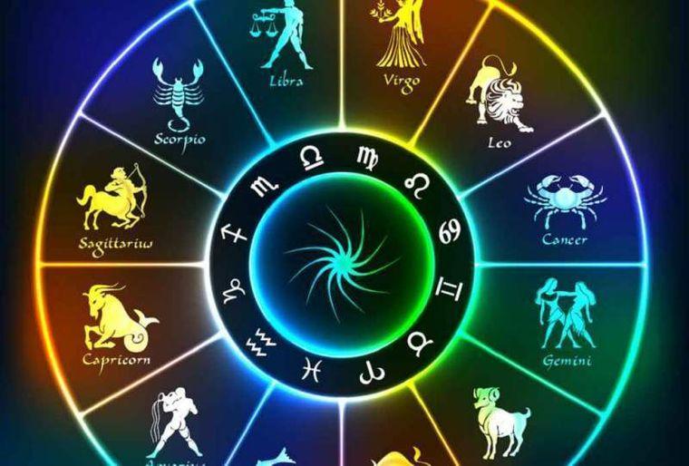 Horoscop sâmbătă, 3 august. O zi plină de neprevăvăzut!