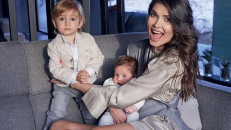 Alina Pușcaș a născut a treia oară! Prima fotografie cu bebelușul