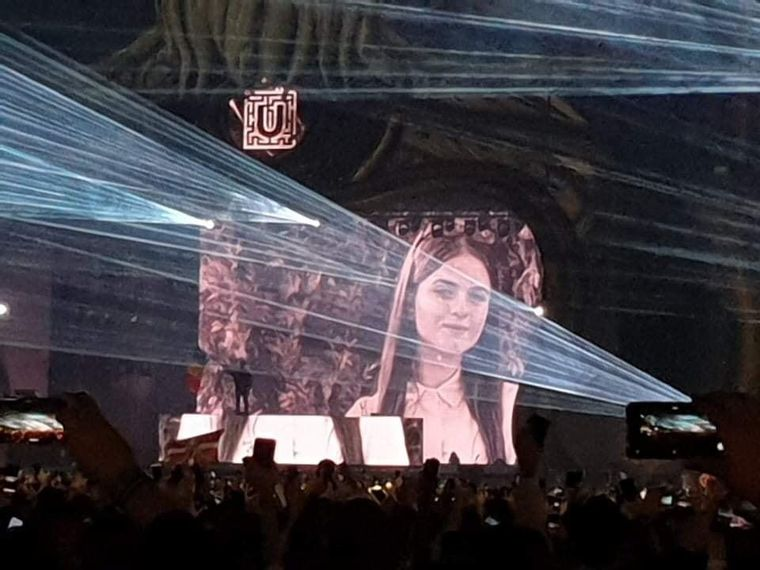 Moment emoționant la UNTOLD! DJ Don Diablo i-a dedicat o piesă Alexandrei, fata care a făcut să plângă o țară întreagă