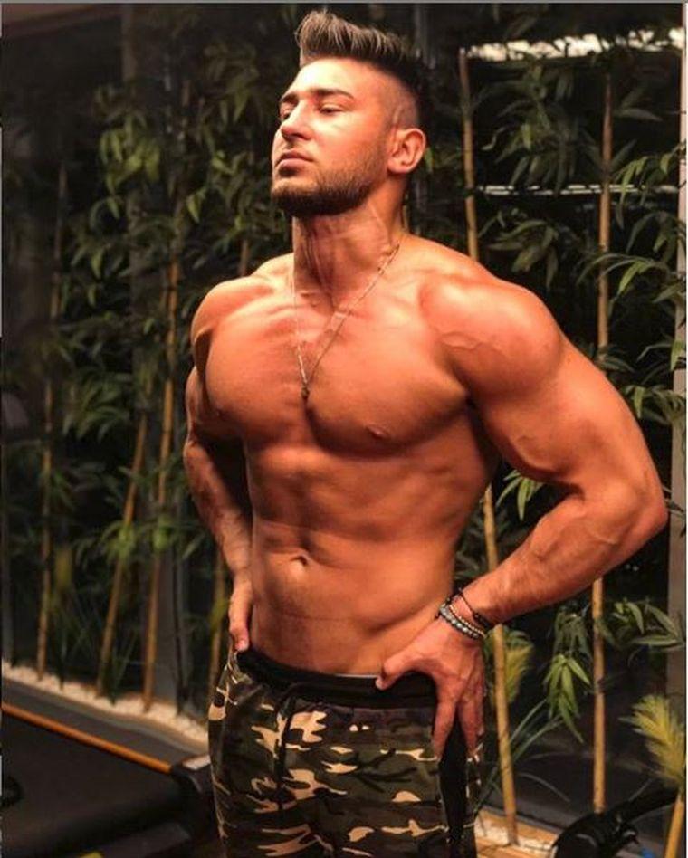 Bogdan Mocanu, declaraţii BOMBĂ despre relaţia cu dansatoarea unei supervedete! L-a invitat în California! Vezi dacă a acceptat!  EXCLUSIV!