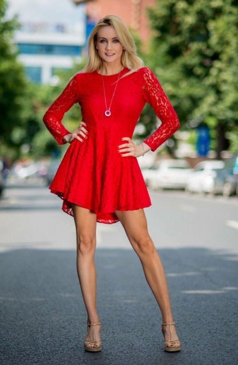Fiica sexy a lui Mircea Rednic a dat lovitura ca impresar de fotbalişti! Afacerea Luanei merge din ce în ce mai bine!