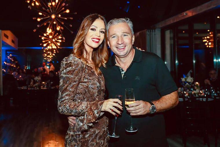 Soţia lui Dan Petrescu arată senzaţional la 43 de ani! Adriana a fost fotomodel!