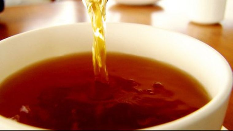 Singurul ceai care distruge celulele canceroase în doar 24 de ore! Rețeta după care se prepară tratamentul miraculos e aici!