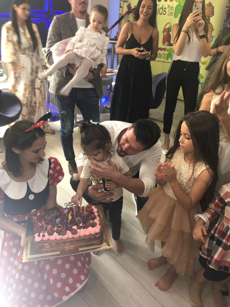 """Victor Slav este topit dupa fiica sa! Prezentatorul Kanal D povesteste despre abilitatile artistice ale fiicei sale  """"Promite a deveni o mare dansatoare"""""""
