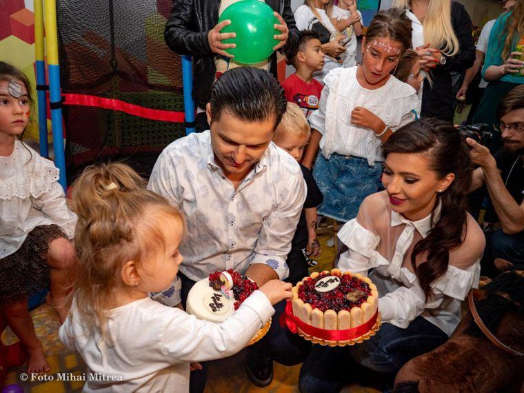 Liviu Vârciu se însoară? Apariția alături de Anda și fetița lor la ziua de naștere a micuței a confirmat acest lucru! Avem imaginile