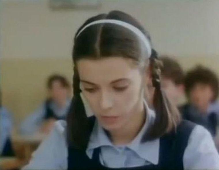 """Actriţa din """"Declaraţie de dragoste""""  împlineşte 56 de ani! Vezi cum arată azi Teodora Mareş!"""