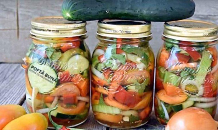 Salată de murături asortate. Nu necesită sterilizare și se pregătește rapid