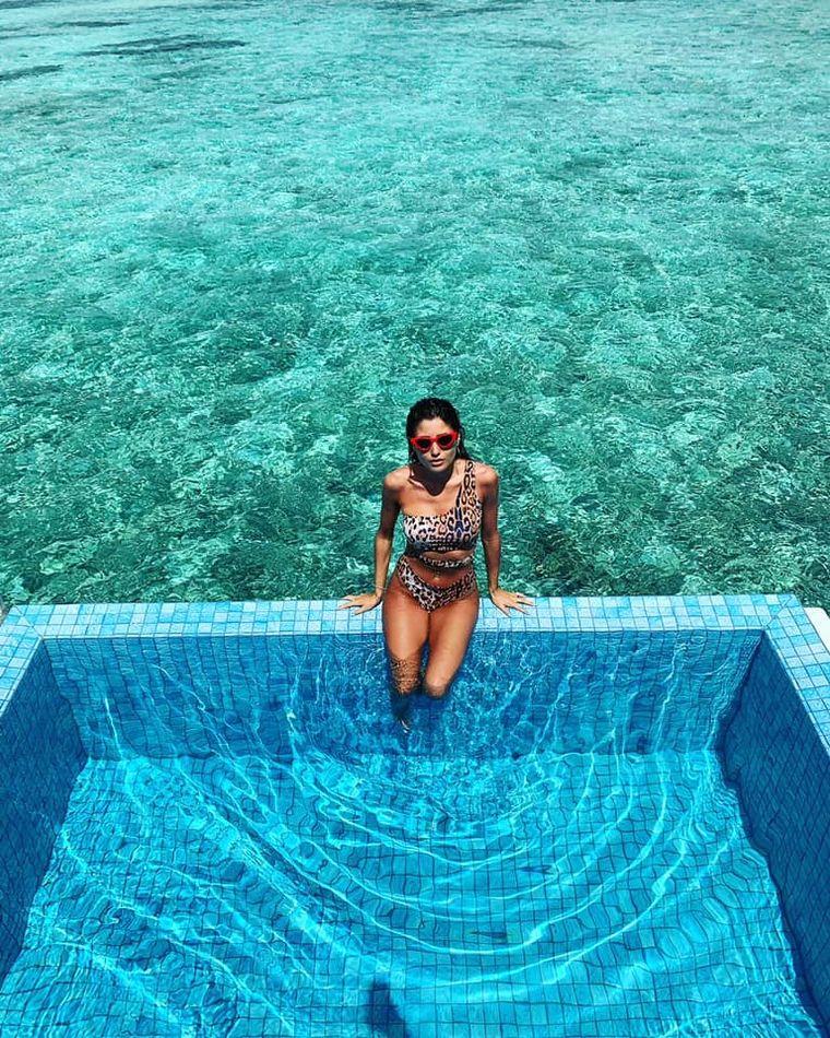 O celebră creatoare de modă a pozat goală în cadă în luna de miere din Maldive!