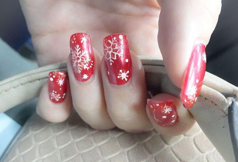 Manichiuri spectaculoase de Crăciun pe care le poți încerca