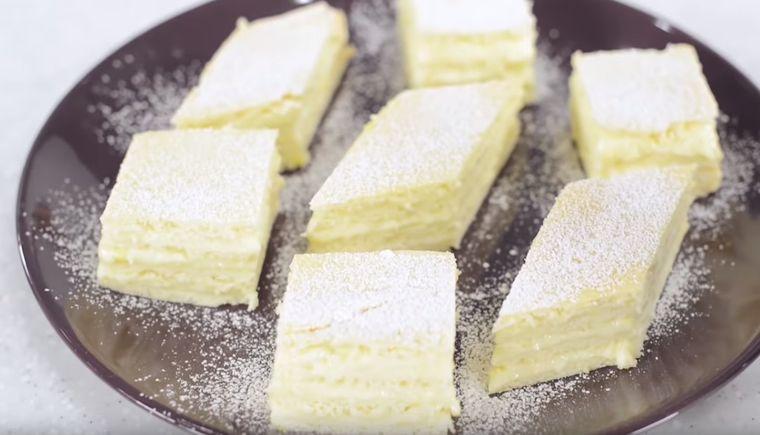 Prăjitură Albă ca Zăpada, desertul preferat de Crăciun