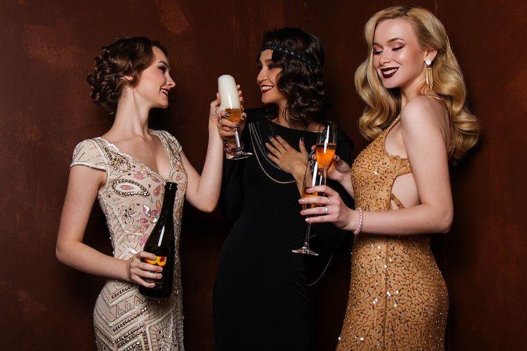Alegerea unei rochii de seara pentru Revelion te copleseste? Iata care sunt recomandarile noastre!
