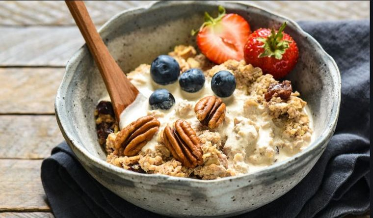Cum arată un mic dejun perfect? Ţi-o spune chiar nutriţionistul lui Silvio Berlusconi!