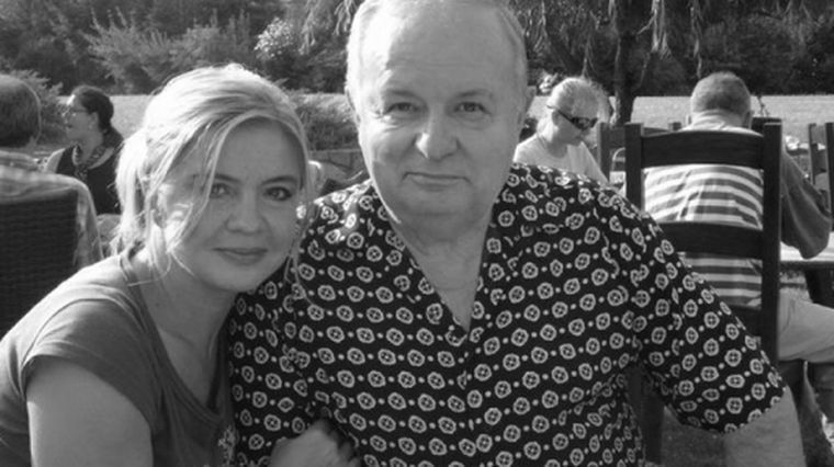 De ce a locuit Cristina Țopescu un an fără părinți? Imagini în premieră din copilăria vedetei găsite moarte