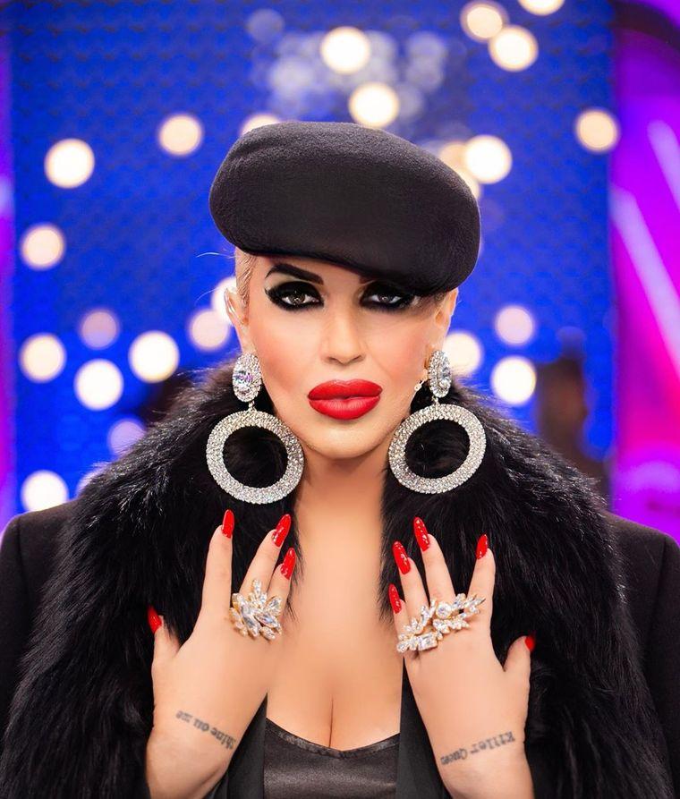 """Cum arată Raluca Bădulescu fără perucă! Imagini din culisele """"Bravo, ai stil! Celebrities"""""""