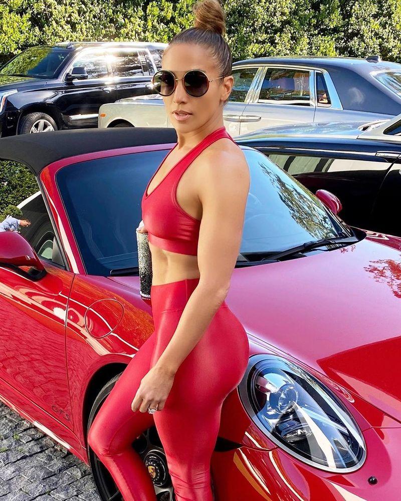 Am aflat toate secretele lui Jennifer Lopez! Ce face artista pentru a arăta ca la 30 de ani?