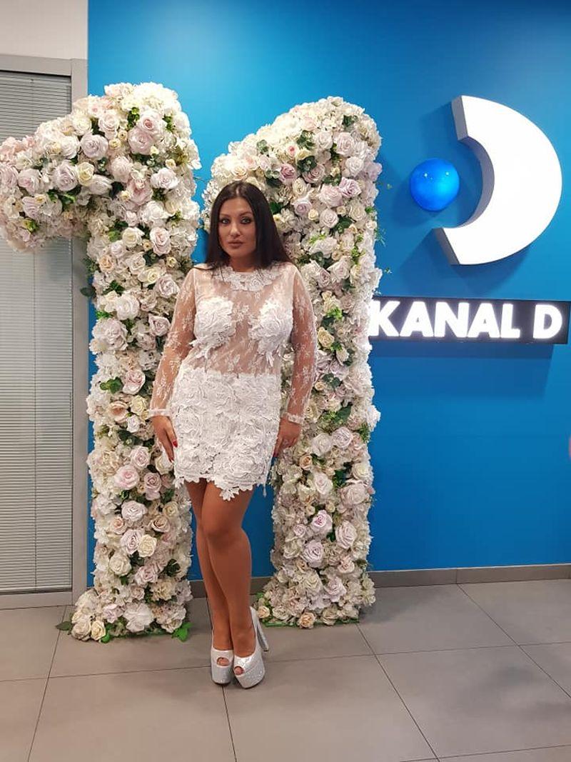 Bianca Rus în 2018, după ce și-a tăiat stomacul
