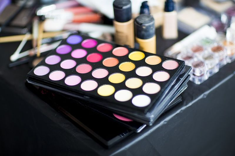 De ce este imperios necesar să folosești cosmetice de calitate?