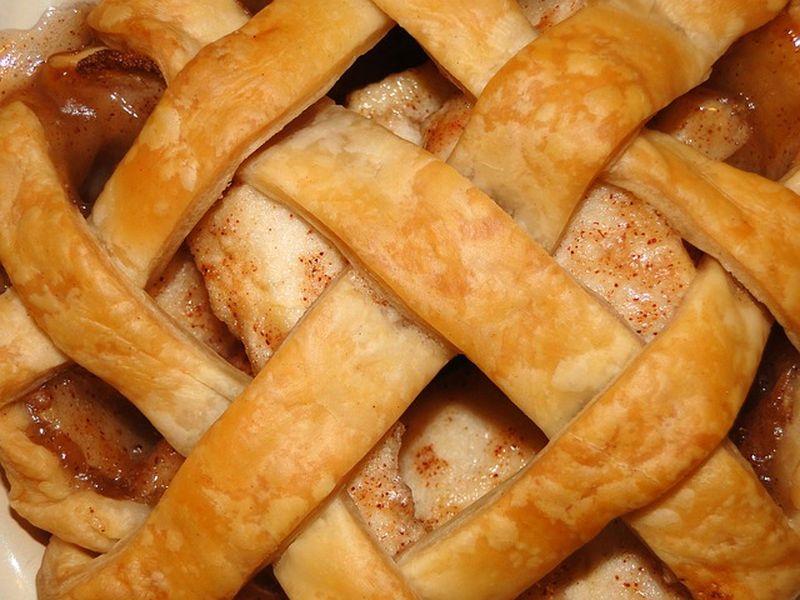 Rețetă de plăcintă cu mere ca la bunica acasă