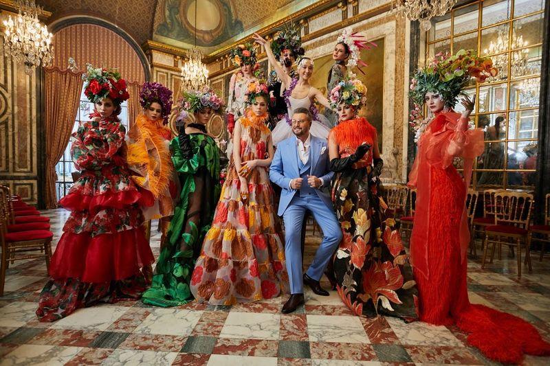 Designerii români- SPECTACOL la Paris Fashion Week, la Palatul Behague