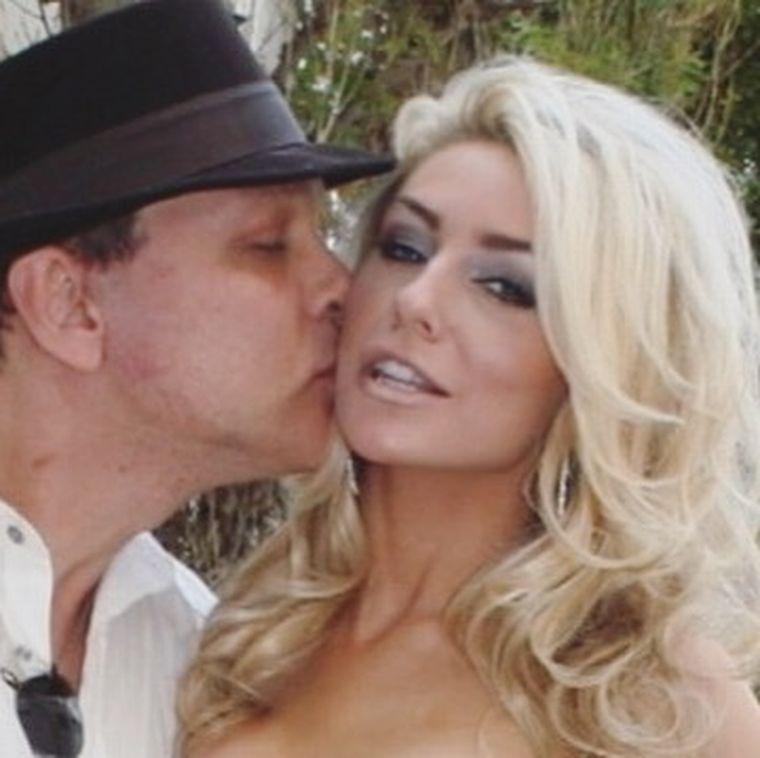 Cuplul  Courtney Stodden și Doug Hutchinson- divorț după 10 ani
