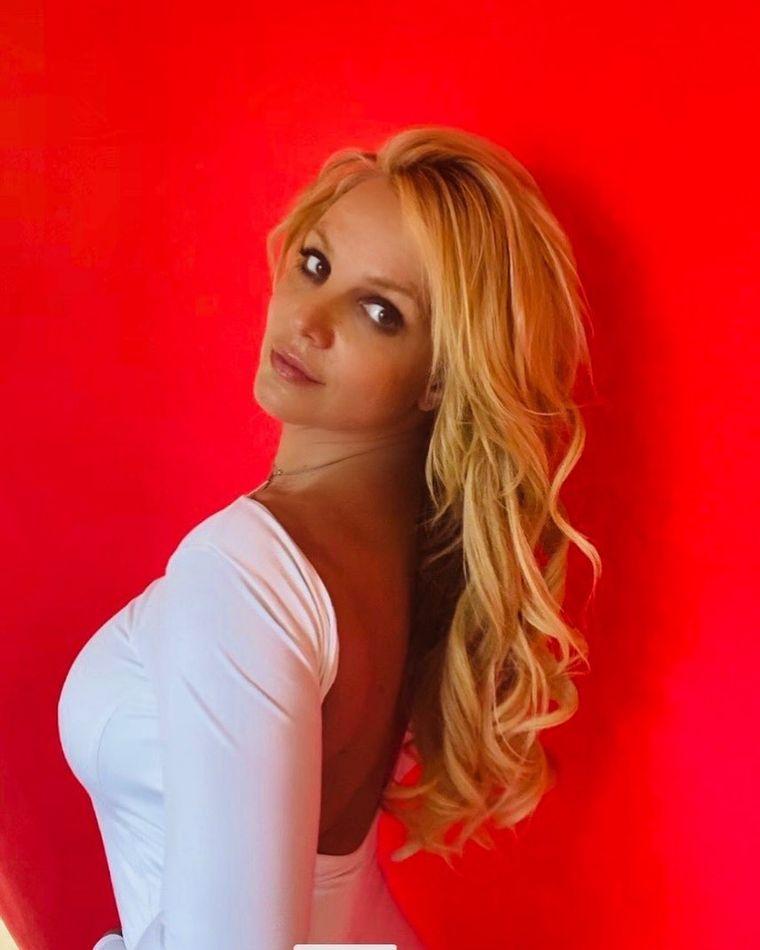 """Britney Spears regretă că a făcut asta! """"Cred că ar trebui să scap de el"""""""