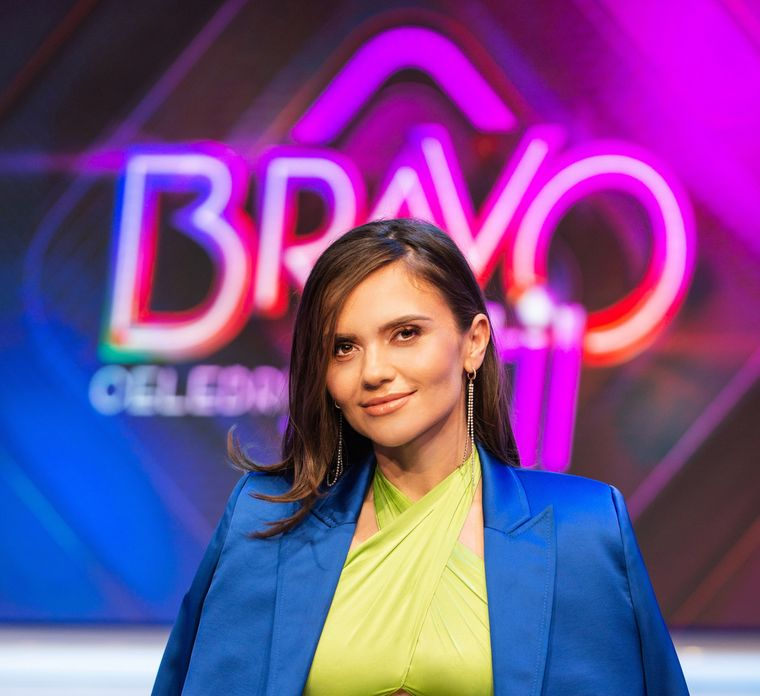 """Cristina Şişcanu intră în competiţia """"Bravo, ai stil! Celebrities""""!"""