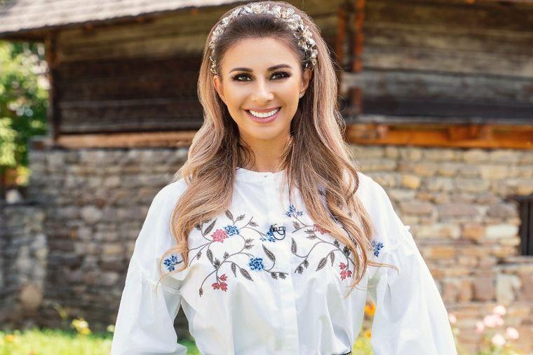 Anamaria Prodan, şedinţă foto inedită! A îmbrăcat mai multe rochii de mireasă!