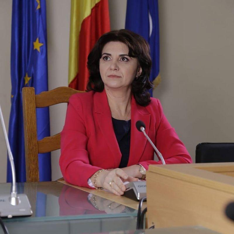 Cursuri suspendate în România. Când se redeschid școlile