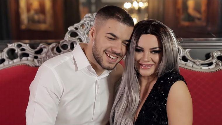 """Carmen de la Sălciua, mesaj surprinzător la miezul nopții: """"Mă mărit"""""""