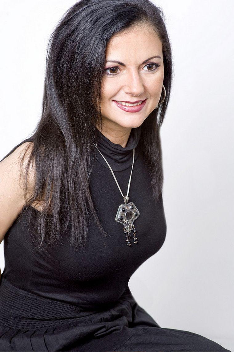 Poeta și jurnalista Clara Mărgineanu a murit la 48 de ani