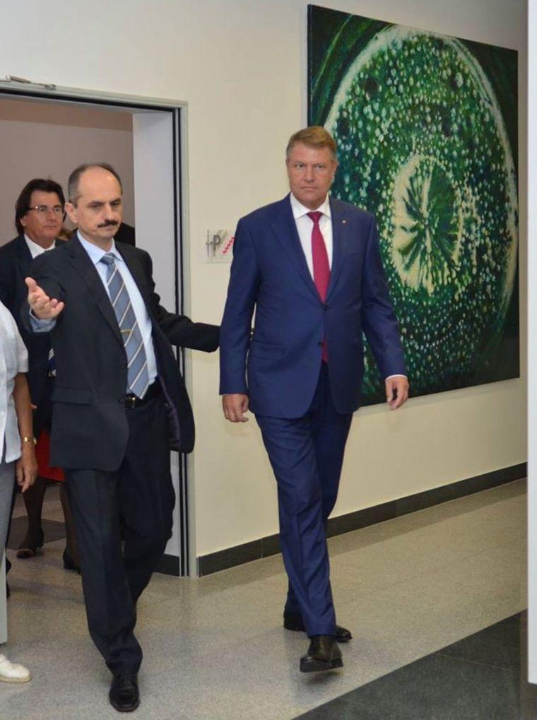 Medicul Virgil Păunescu și-a administrat un vaccin anti-Covid-19