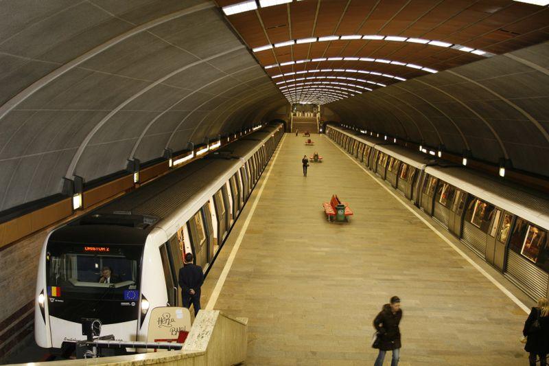 """Noile reguli de călătorie cu metroul! Premierul Ludovic Orban, anunț de ultimă oră: """"Vor fi echipe care să verifice existența măștii"""""""