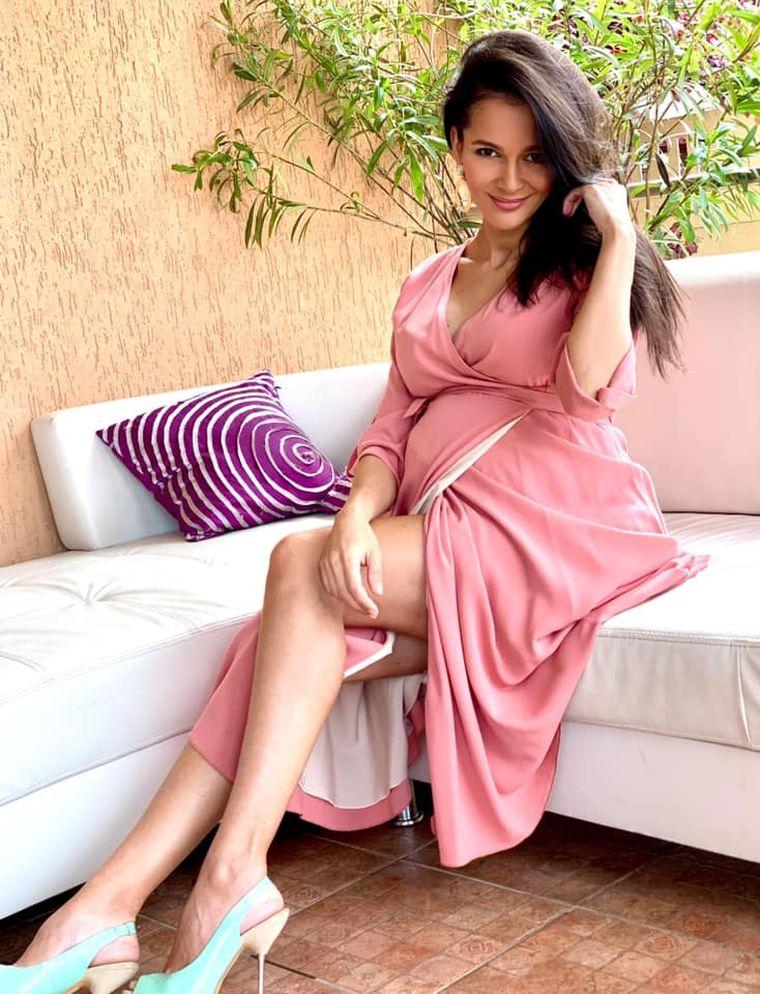 Ruxandra Luca a devenit mamă pentru a treia oară! Primele imagini