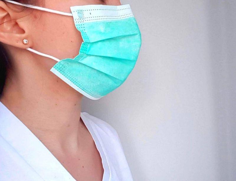 Masca de protectie efecte negative si efecte adverse - Ana Maria Draganita, dermatolog
