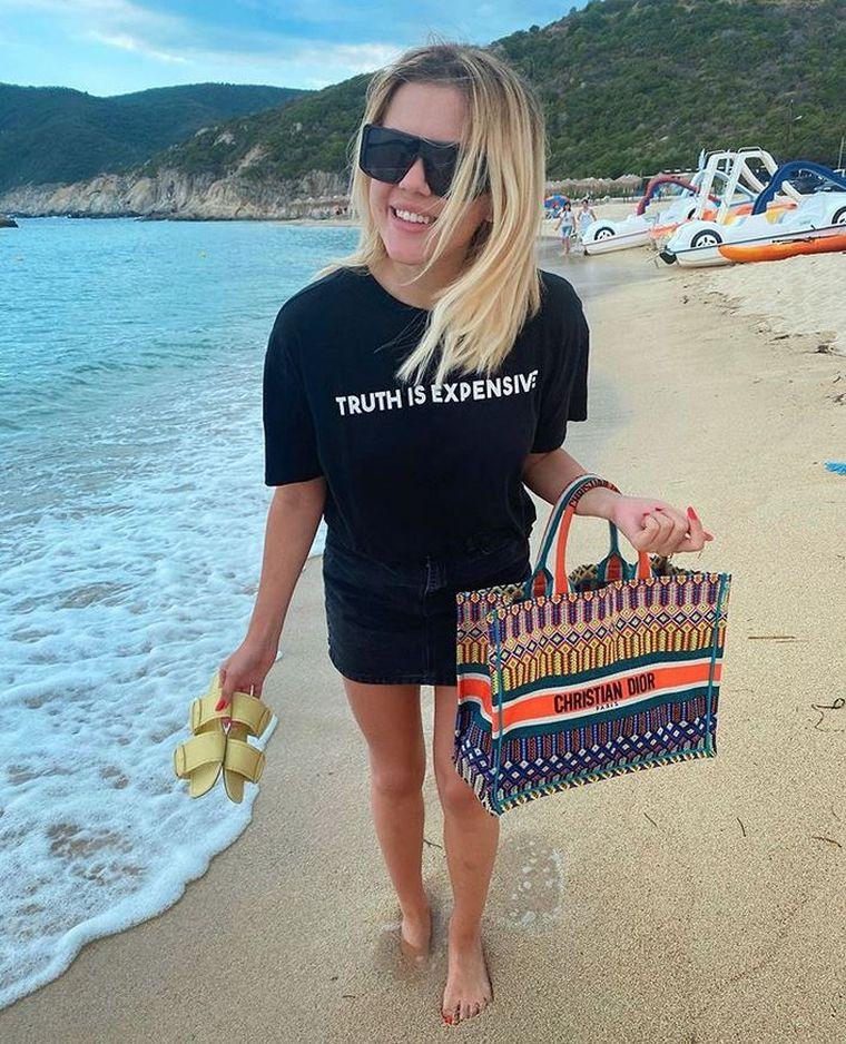 Emily Burghelea, geantă de 3500 de euro! Tânăra face furori cu accesoriul de lux!