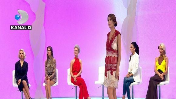 """Accesoriul de lux al unei concurente de la """"Bravo, ai stil!"""" a fermecat-o pe Raluca Badulescu! Uite despre cine este vorba"""