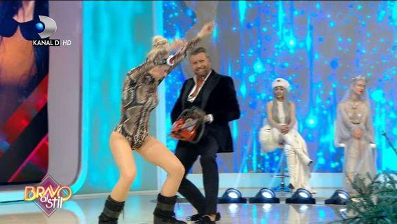 Mirela, dans incendiar cu Catalin Botezatu! Ce note a obtinut concurenta dupa ce a renuntat la haine