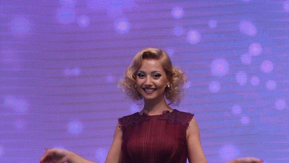 """Alexandra, desfiintata de Iulia Albu: """"Te-ai gandit sa iei o rochie veche pentru aceasta gala? Parul este ceva ca un salon Igiena!"""""""