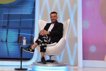 """Razvan Ciobanu taxeaza grav pantalonii unei concurente de la """"Bravo, ai stil!"""" """"Nu imi mai veniti cu haine murdare in platoul emisiunii!"""" Cum arata acestia vedeti in emisiunea de azi, de la 16.30, la Kanal D"""