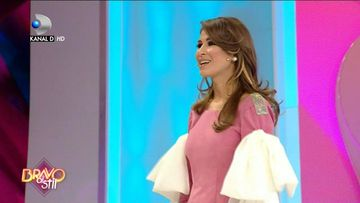 """Cristina Mihaela, din nou concurenta la """"Bravo ai stil!"""" Sa fie doar o farsa sau fetele chiar au de ce sa se teama? Raspunsul la intrebare il veti putea afla urmarind editia de ASTAZI, incepand cu ora 23:00, la Kanal D!"""